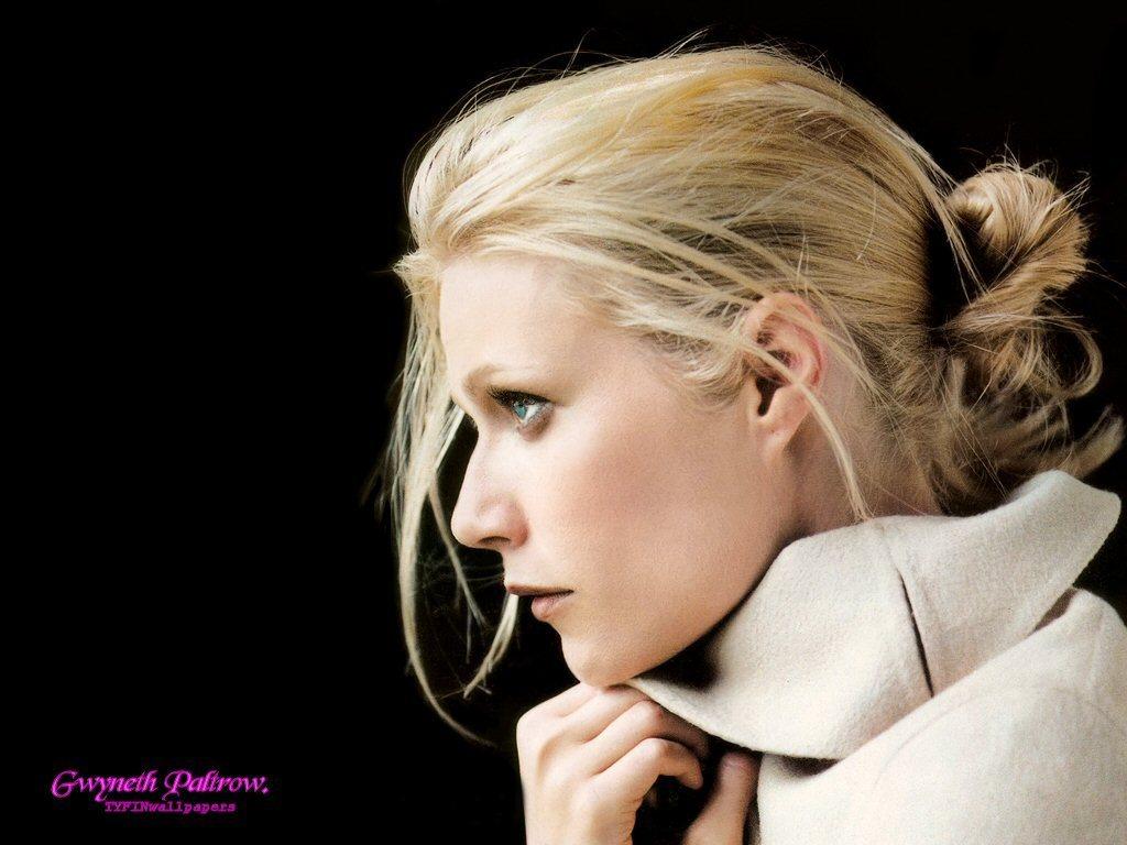 http://4.bp.blogspot.com/-Th5HdIOdkOM/TgNWOGPqbPI/AAAAAAAAGGc/pEMmLm40ATg/s1600/Gwyneth-Paltrow-Hot-Wallpapers-04.jpg