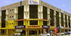 Selain Daripada Itu Hotel Ini Berdekatan Dengan Klinik Station Bus Dan Bank Simpanan Nasional Jasin
