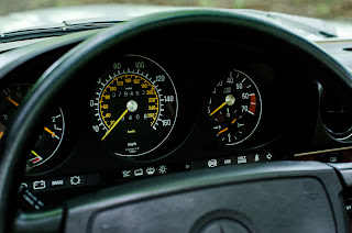 34 Mercedes-Benz 560SL R107 1988
