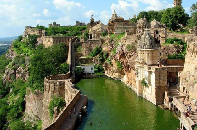 http://4.bp.blogspot.com/-ThTNHuU32jM/ULu8oO_m2QI/AAAAAAAAMVM/-5Hcg1RNdQc/s1600/india.jpg