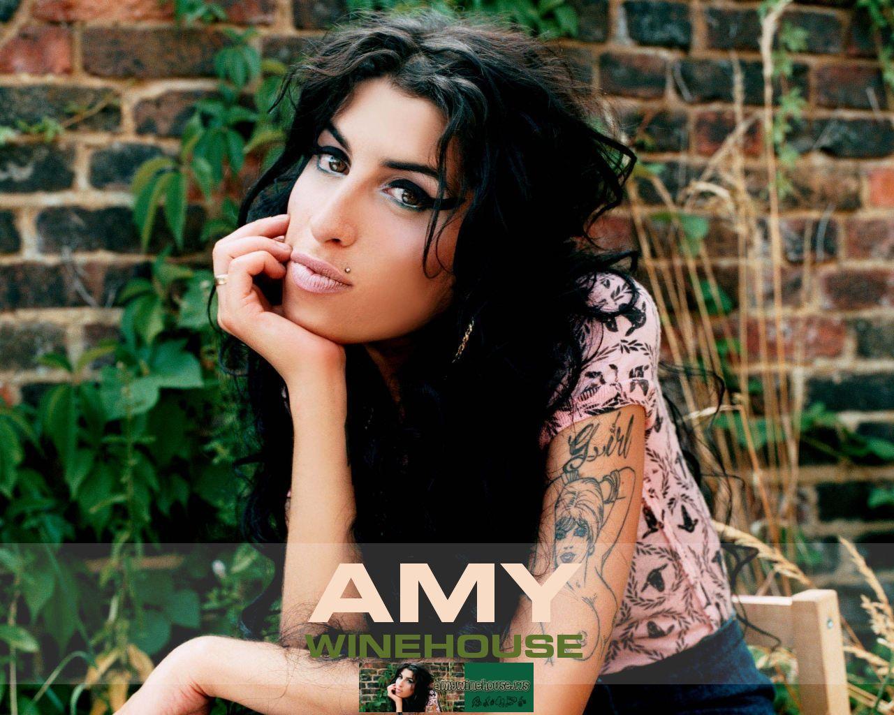 http://4.bp.blogspot.com/-ThUplBDdY8Q/TjBIPov5hmI/AAAAAAAAAlM/KQA7N5W6AVg/s1600/amy-winehouse-wallpaper.jpg