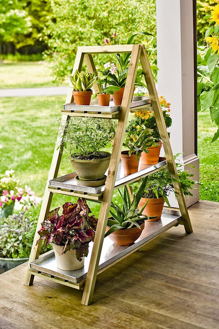 Подставка для садовых цветов своими руками из подручных материалов