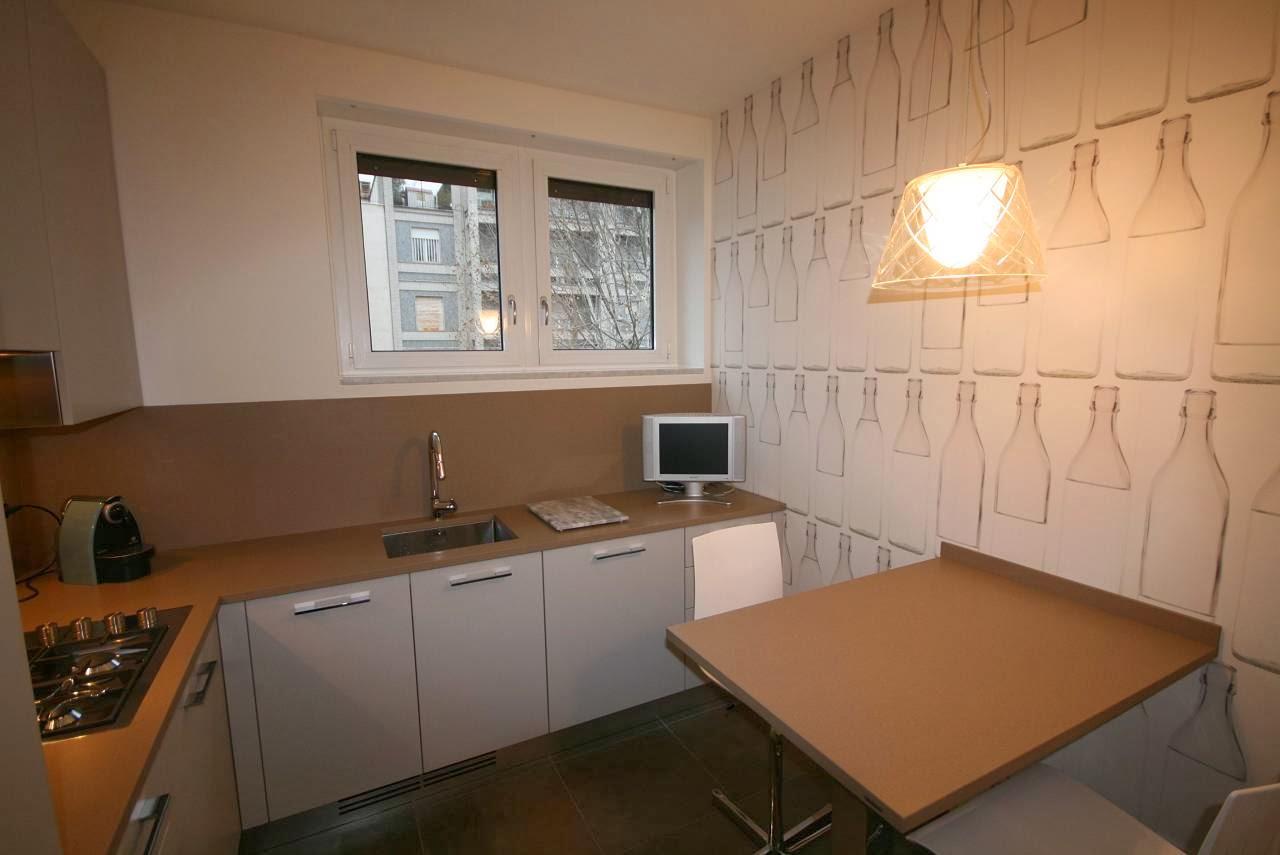 Alberto sozzi store manager and senior interior designer for Carta parati cucina