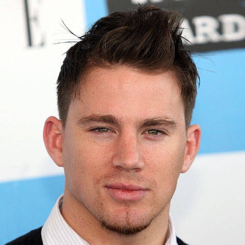 Corte de pelo hombre moderno cara redonda