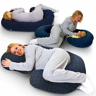 Gối ngủ chuyên dụng dành cho bà bầu giúp xua tan mệt mỏi trong khi ngủ
