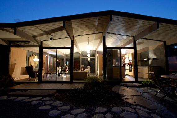White floors joseph eichler american mid century modern homes for 1960s modern house design