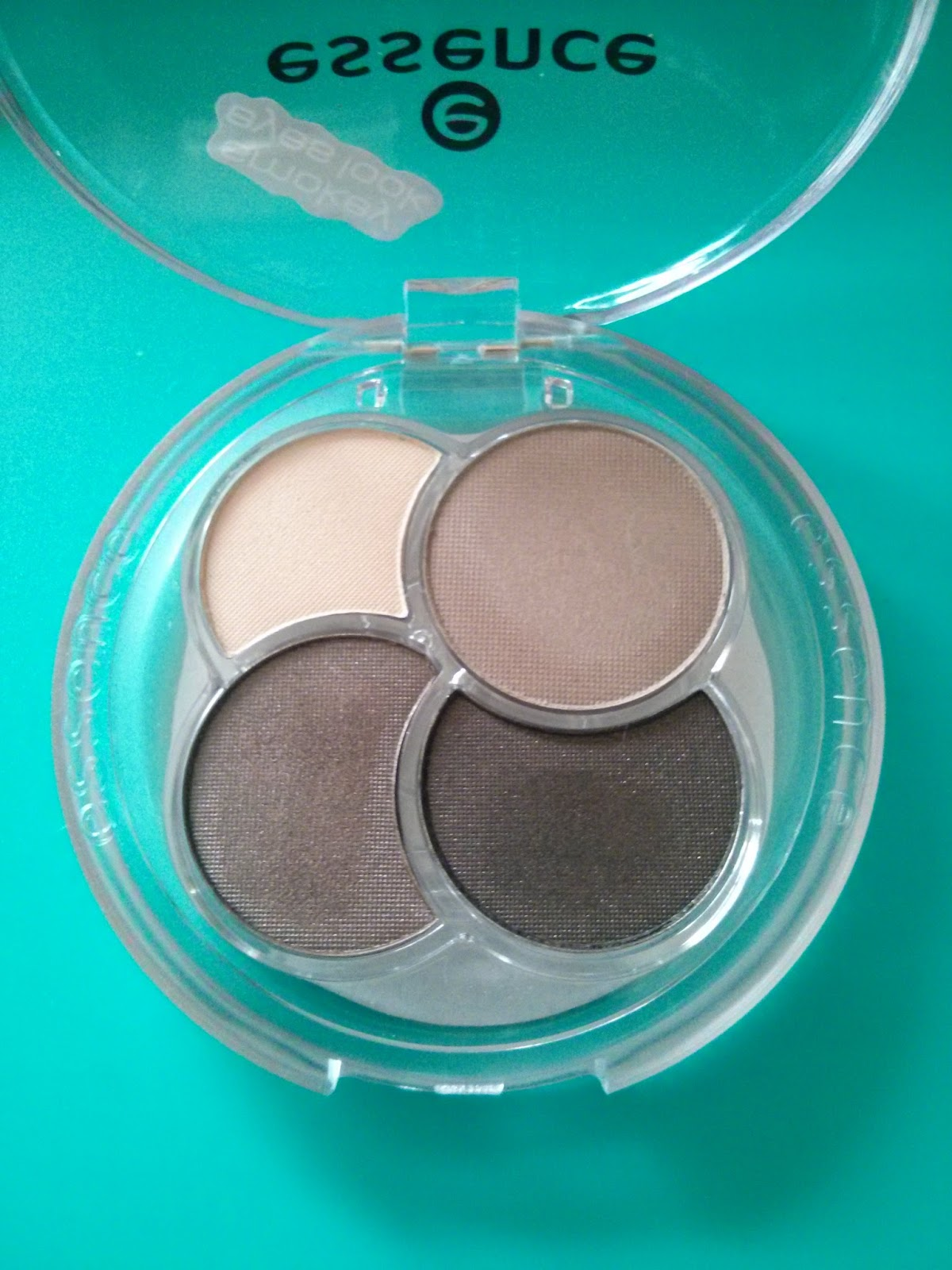 Beauty Bunk Amp Beyond Essence Quattro Eyeshadow 07 Over