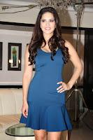 Sunny Leone shoots for MTV's new series 'Webbed'-5