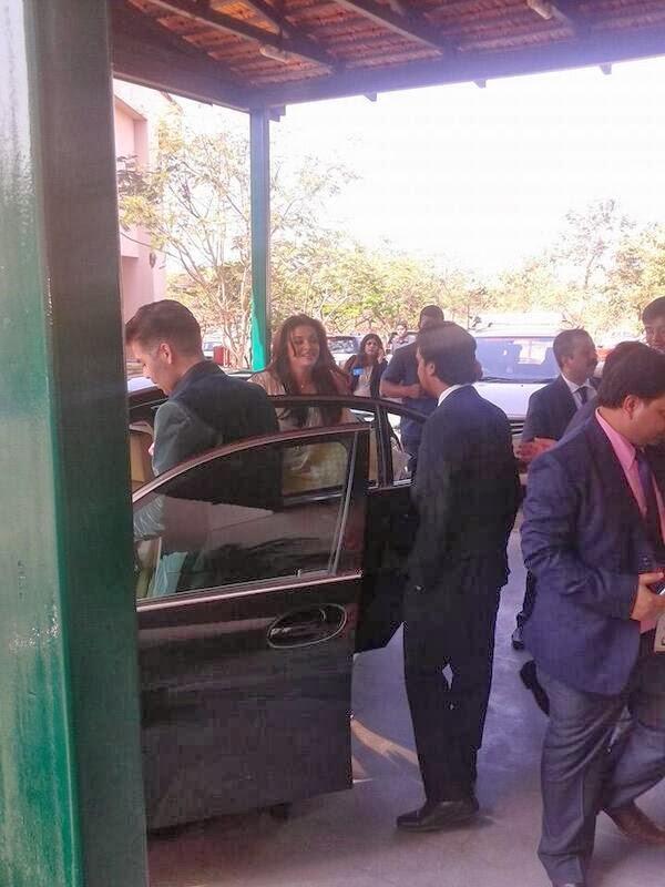 Aishwarya, Karan & Leandar Paes spotted at BITS Goa