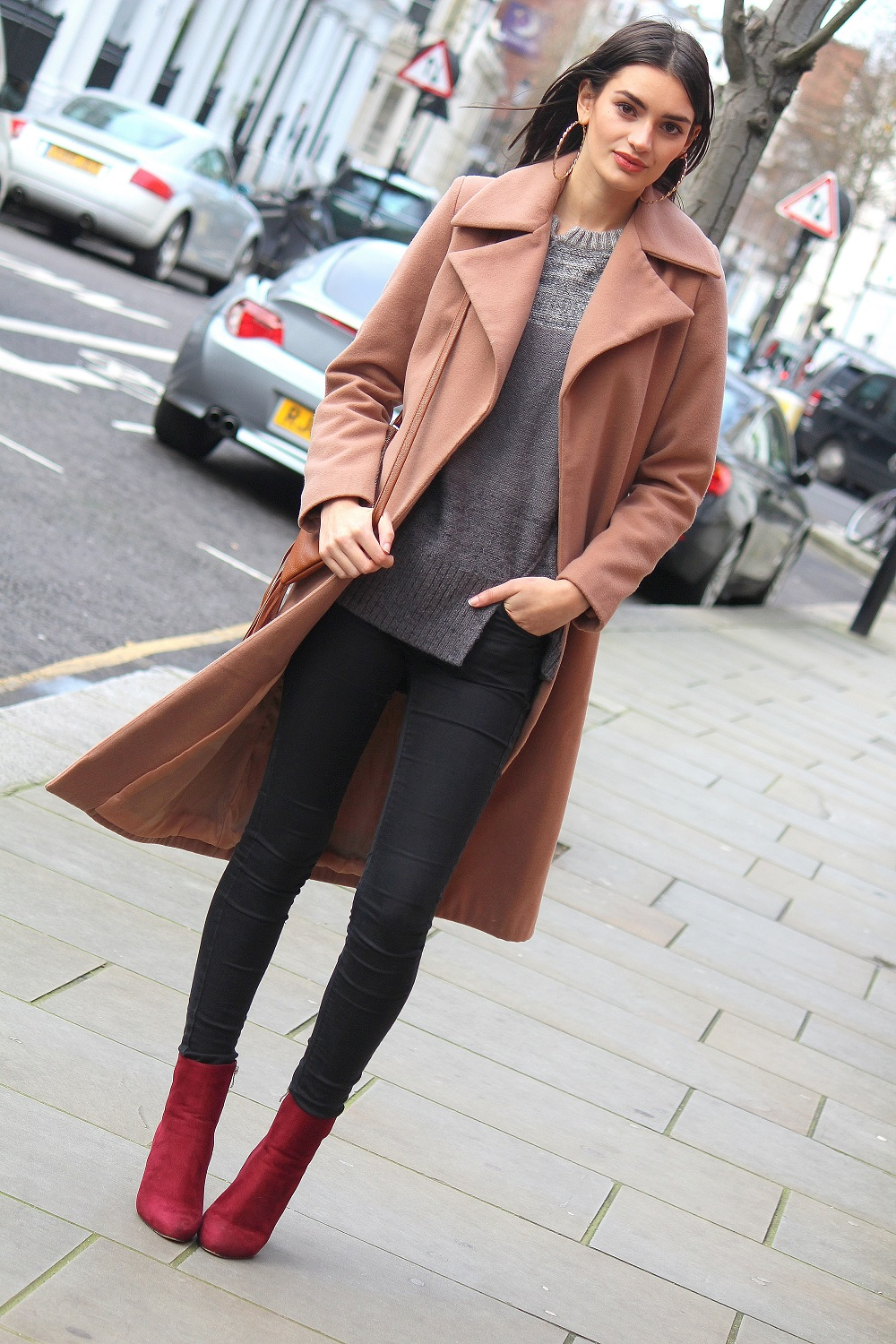 camel coat and burgundy boots worn by peexo fashion blogger