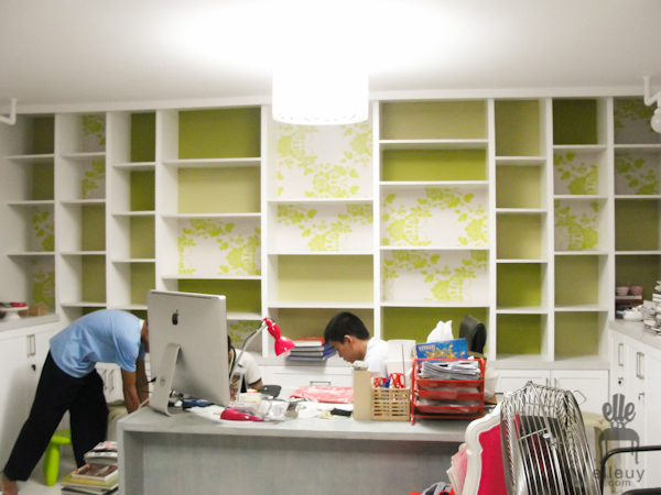 bookshelf, built-in, fun shelves, wallpapered shelves, green shelves, shelf styling, styled shelves