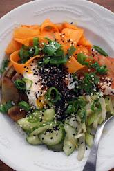 Korealainen kasvis-bibimbap