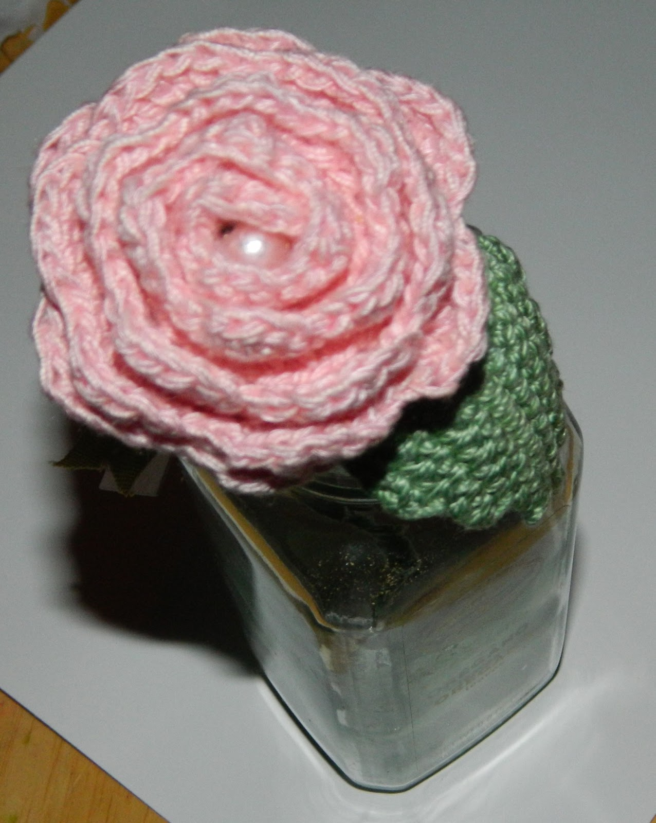 Free Crochet Long Stem Rose Pattern : lauras frayed knot: my rose all finished up