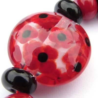 Lampwork Glass Lentil Bead (Detail)
