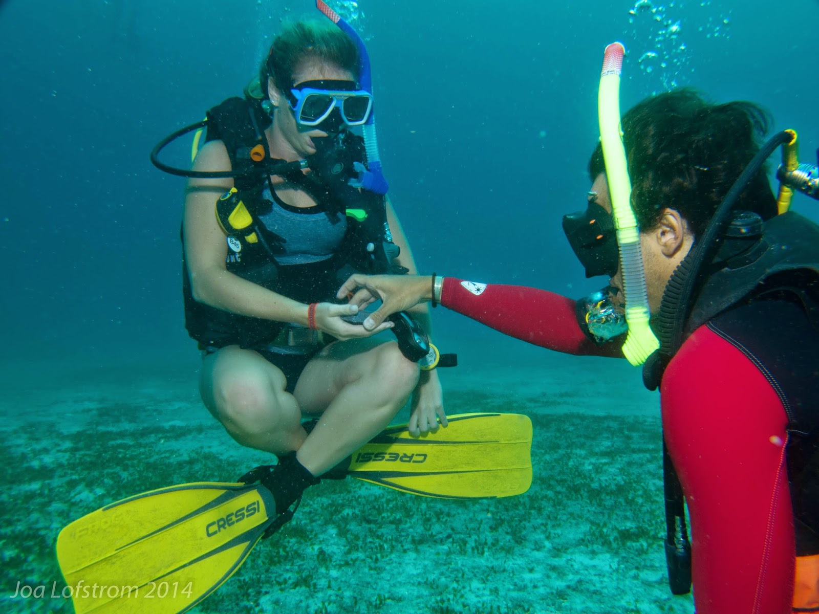 Adam teaching peak performance buoyancy during his internship at Exotic malapascua.