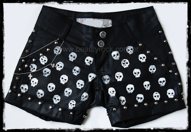 Short Caveiras, Skull, Rock, Punk, Chains, Couro, Leather, Black, Goth