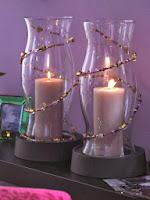 Големи свещи с мъниста за романтична атмосфера в спалнята