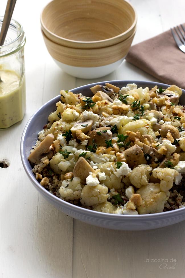 ensalada-quinoa-coliflor-champiñones