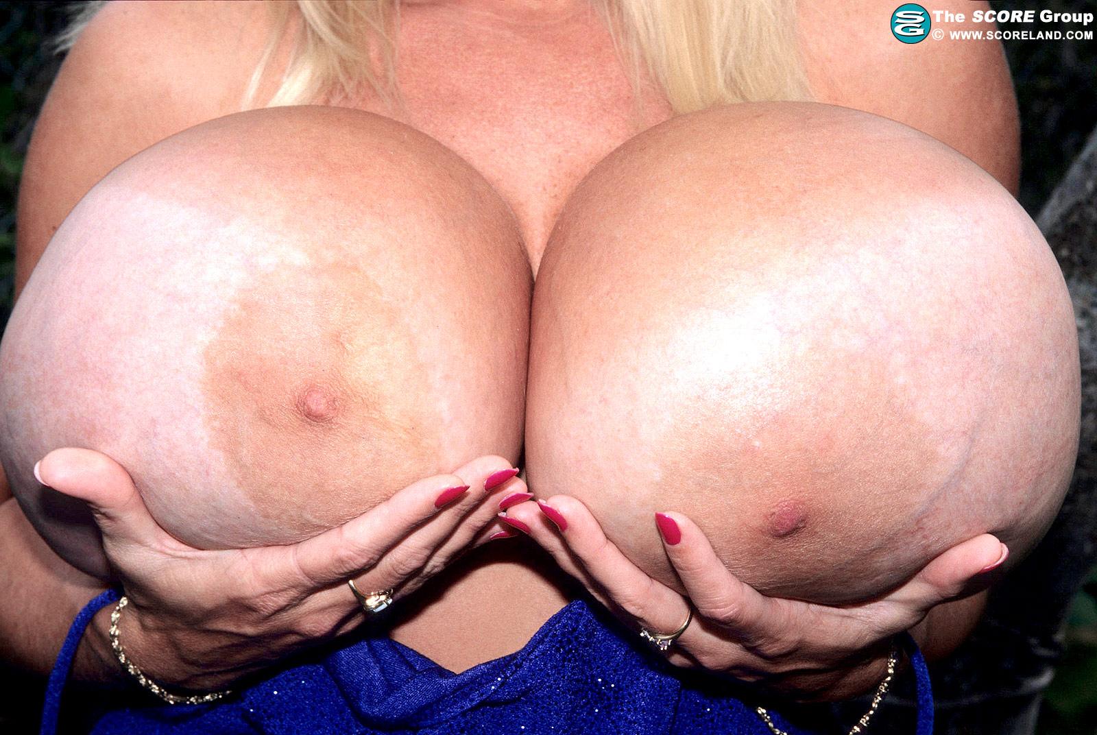 Порно фото макси маундс