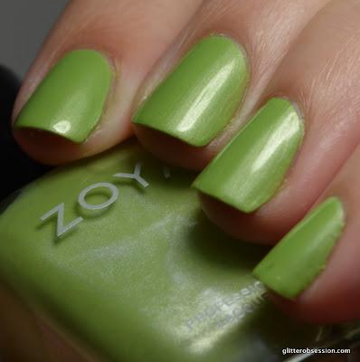 Zoya Tracie swatch, Zoya Tracie nail swatch