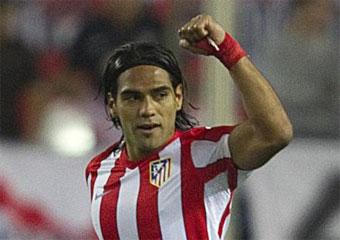 http://4.bp.blogspot.com/-TkdRNIODo1k/TnJeQY9OBWI/AAAAAAAAFDY/zMgP6uj0IdY/s1600/primer_gol_de_falcao_con_el_atletico_de_madrid.jpg