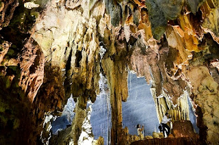 Beautiful Coc San Cave