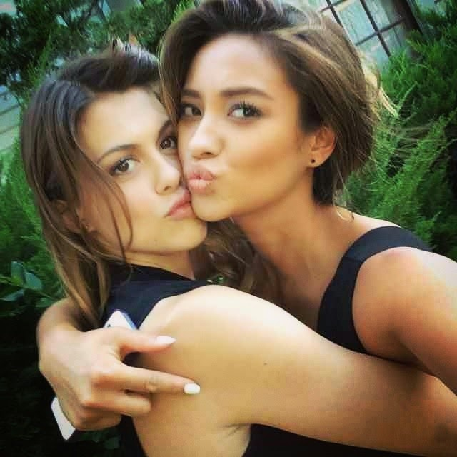 Shay Mitchell and Lindsey Shaw