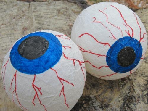 Ojos escalofriantes para Halloween