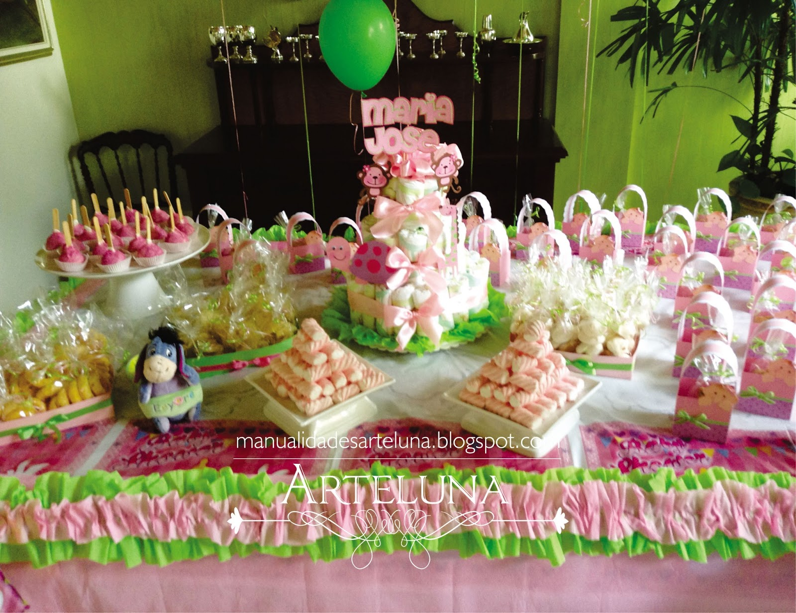 Decoraciones baby shower car interior design for Decoracion para pared de baby shower