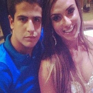 Aos 15 anos, filho de Claudia Raia afirma que está mesmo 'ficando' com Nicole Bahls
