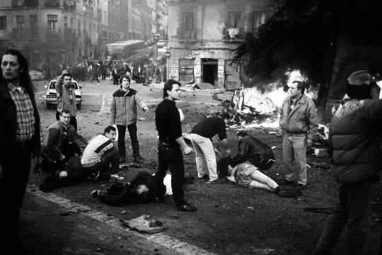 http://4.bp.blogspot.com/-Tlh1MSSDn9M/TrJQ_cVGoLI/AAAAAAAAGPg/GGflPCysLvE/s1600/atentado_eta_anos_ochenta.jpg