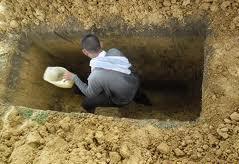 Peristiwa Ganjil Yang Menginsafkan Penggali Kubur