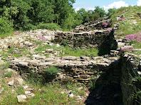 Habitacles del Casol de Puig-castellet
