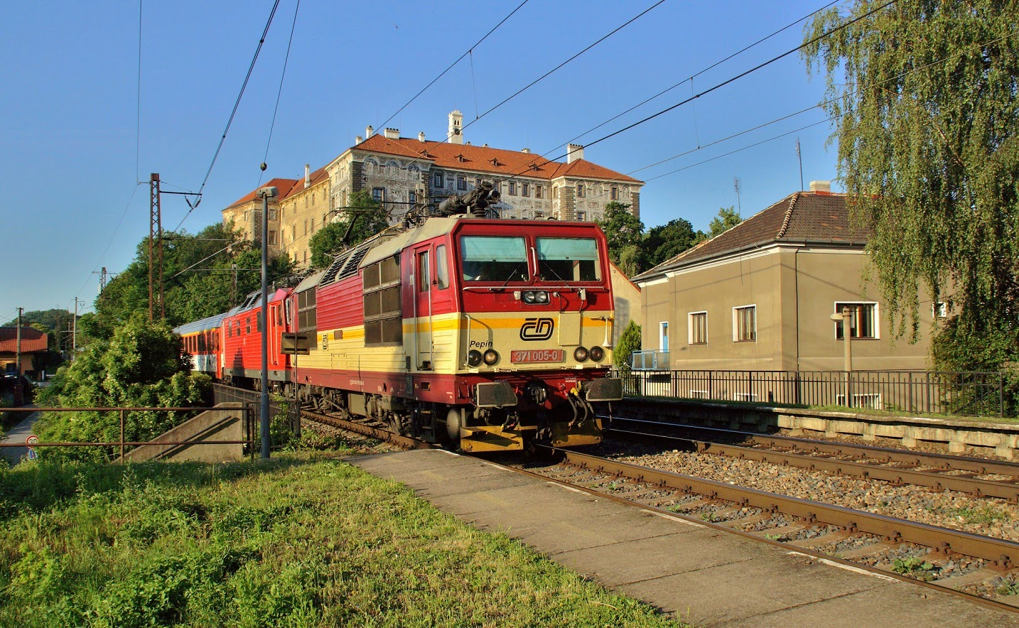 Trains and castles new railway report for Dresden to prague train