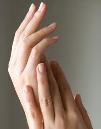 Melembutkan Telapak Tangan dengan Menggunakan Daun Pucuk Teh