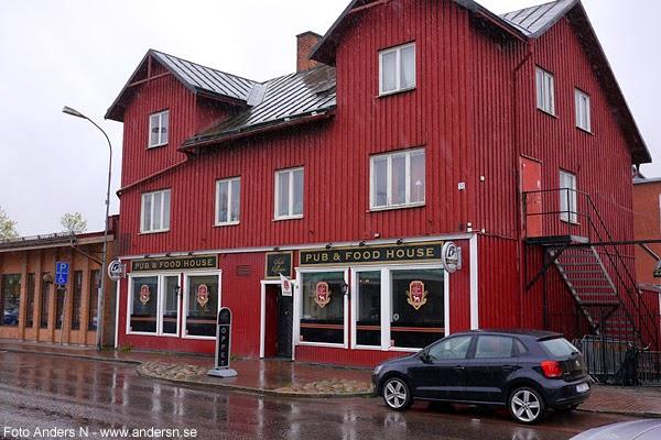 saloon, kil, pub, food, house