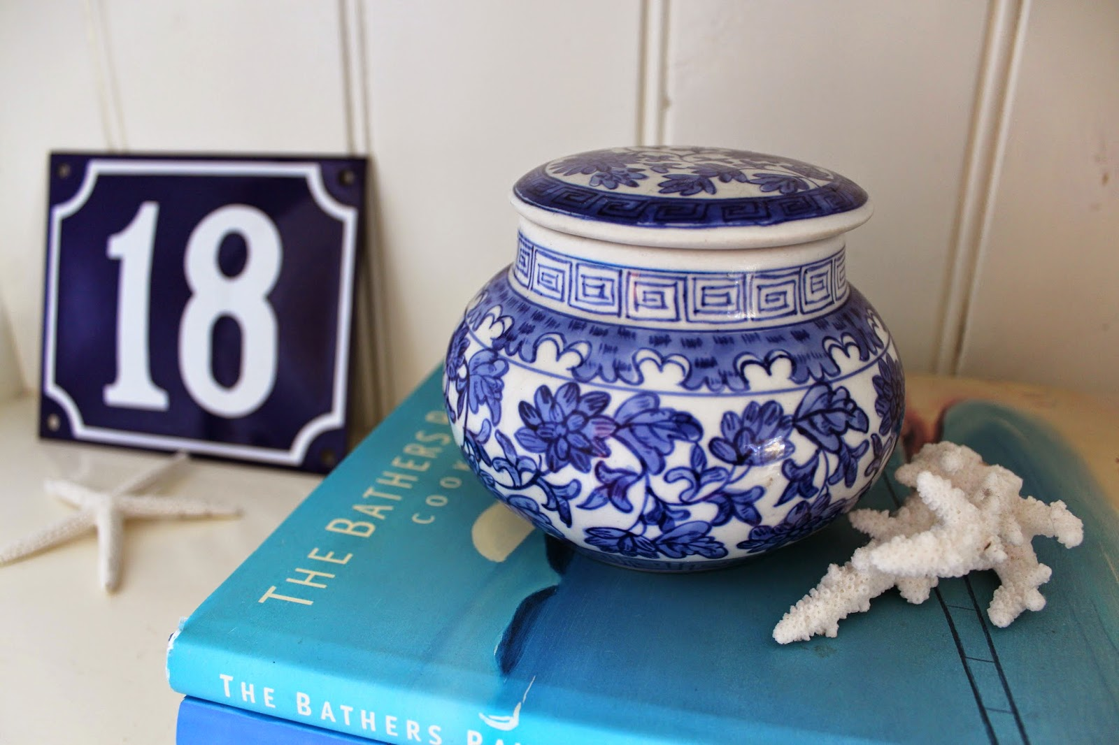 Coastal styling and craft ideas desire empire - Styling Shelves In Coastal Blue And White