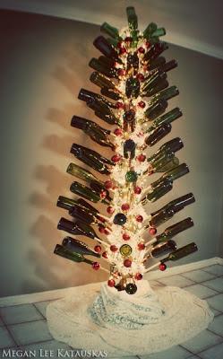 arvore de natal diferente com garrafas