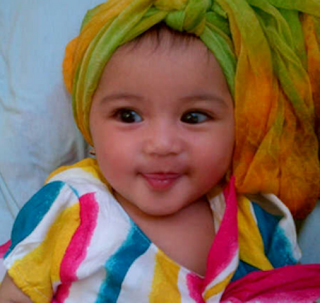 Foto bayi lucu cantik muslim berhijab