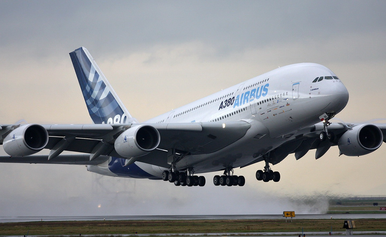 Airbus A380 Massive Takeoff Aircraft Wallpaper 2029