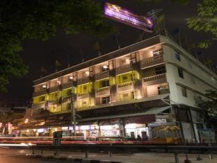 hotel backpacker bangkok