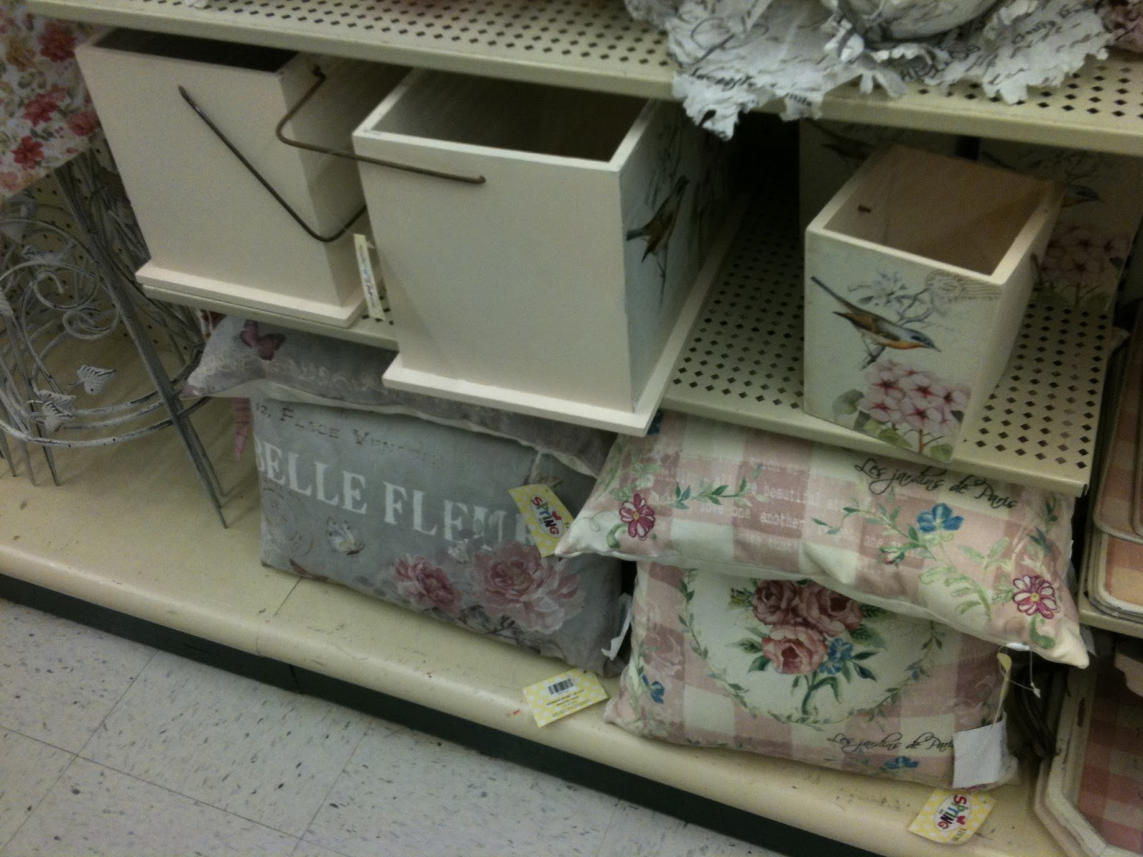 fabulous finds studio by julie l light shabby chic shopping at hobby lobby. Black Bedroom Furniture Sets. Home Design Ideas