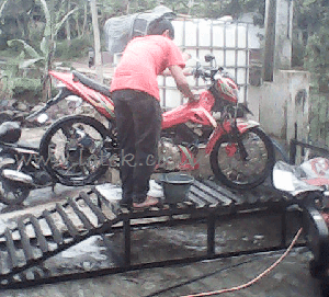 Tips Mencuci Motor