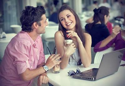 مواضيع شيّقة لتكسري صمت اللقاء الأوّل - موعد رومانسى - لقاء غرامى - بنت تشرب عصير - romantic date