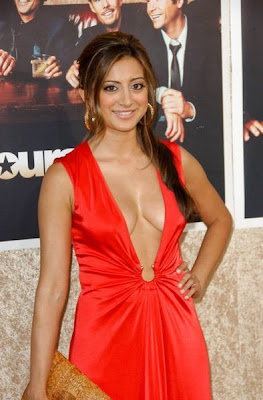 Noureen-Dewulf-Hot