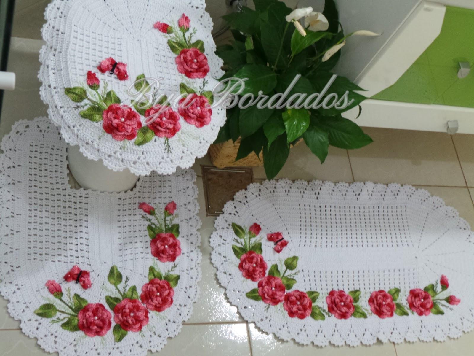 em Crochê e Bordados: Jogo Tapete Encanto Flores Vermelhas 3 peças #882A2F 1600 1200