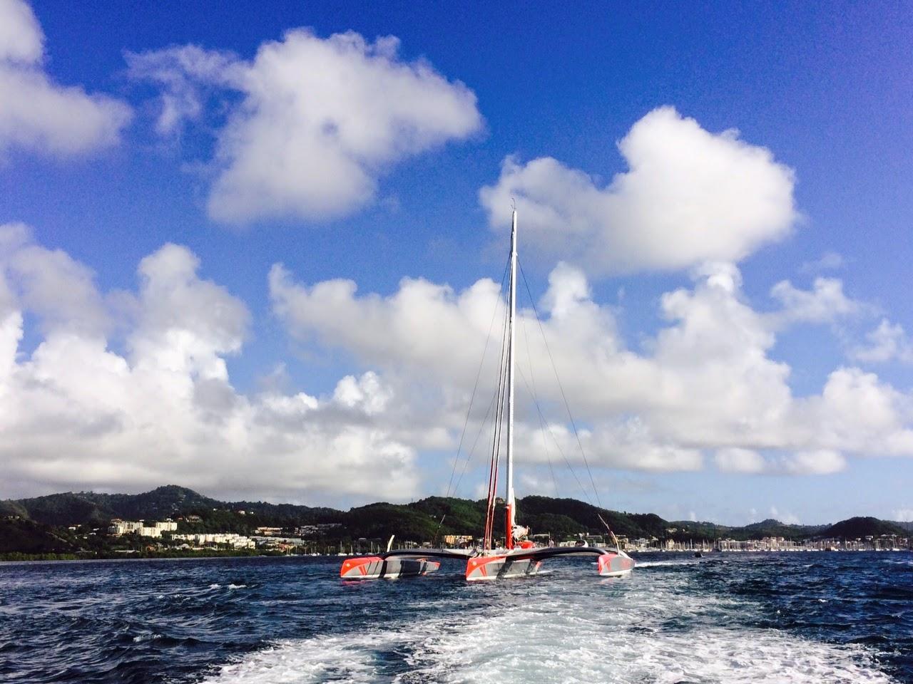 6 h 29 minutes pour boucler le tour de Martinique par Lionel Lemonchois et Prince de Bretagne.
