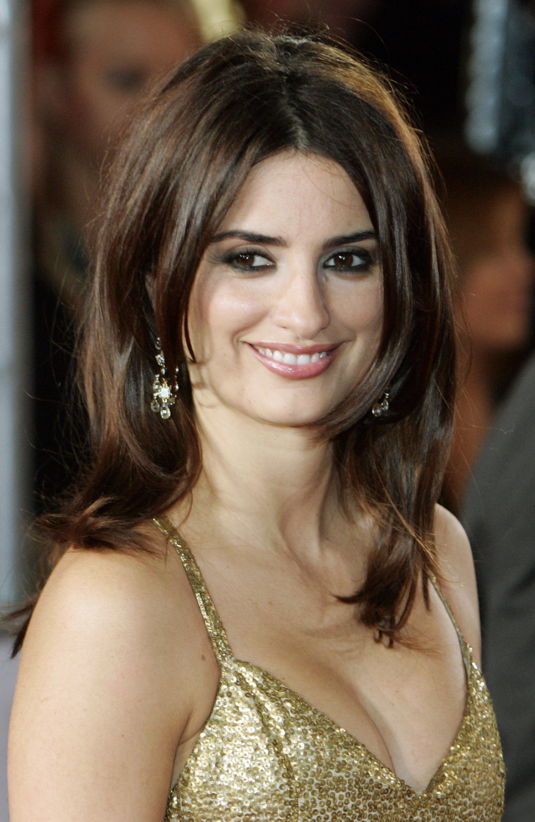 Fresh Look Celebrity Penelope Cruz Hairstyles 54