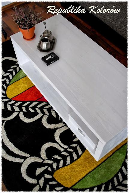 stolik kawowy na kółkach