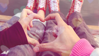 Sitting Close Up Hands Heart Day Lovers Couple HD Wallpaper